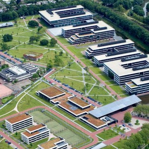 The Kromhout Barracks is a public/private development which accommodates the Headquarters of the Royal Netherlands Army (CLAS), the Support Command (CDC) and several parts of the Defense Equipment Organisation (DMO) with more than 3,000 employees. Karres en Brands drew up the urban development plan ...