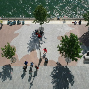 East Bayfront Water's Edge Promenade is an active civic space and a successful precedent project for future development along Toronto's waterfront. Flanked by two parks, the promenade is a pedestrian and cycling route, and a year-round venue for a variety of public events.