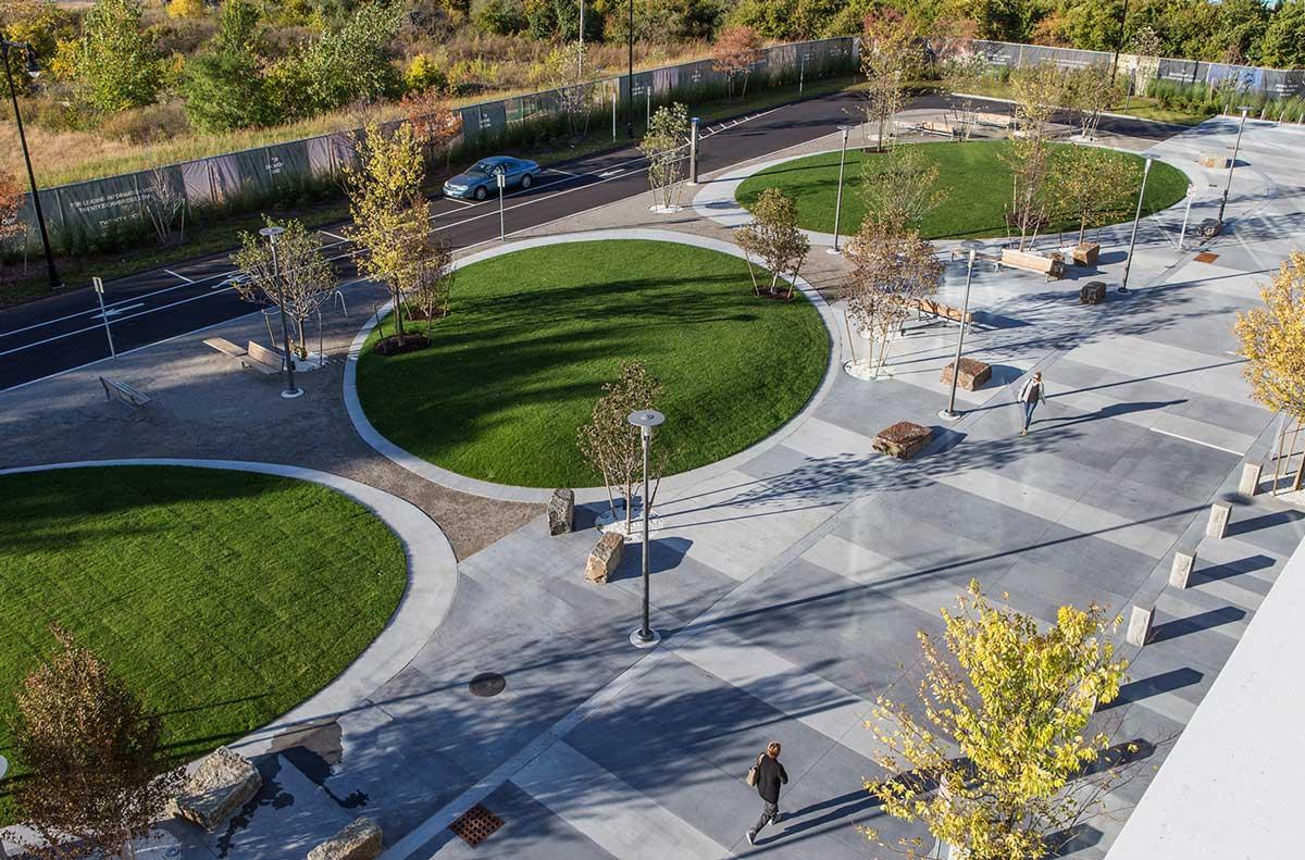Public Plaza And Coorporate Roof Garden Landscape Architecture