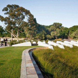 The HASSELL design proposal for Lakeway had a strong sustainability agenda. It included setting aside a third of the site for bush regeneration, the creation of sensitive parkland interfaces with the adjoining school and residential area, as well as nature reserve.