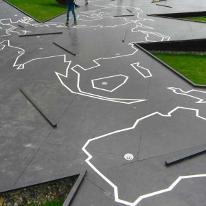 Two playful creations by Topotek1 for the Garden Show in Hamburg, 2013.