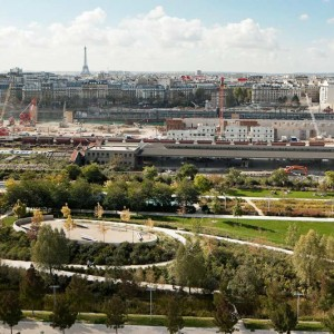 In 2003 the City of Paris launched a tender for the Clichy Batignolles area for which the team of François Grether, town planner, Jacqueline Osty, landscape architect and OGI engineer firm, was selected. During the definition phase, the site was chosen to host the Olympic Village as part of Paris bid for 2012 Olympics.