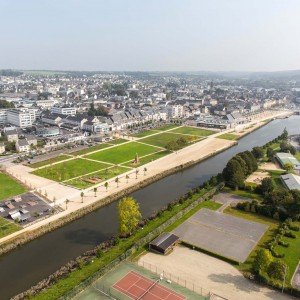 Landerneau is built around its river, the Elorn. Rethinking the public spaces along the quays therefore means rethinking the town's relationship with its river. The quays arranged as a big, linear park on both of the river's banks are a natural breathing space in the town and a place to experience its urban history.
